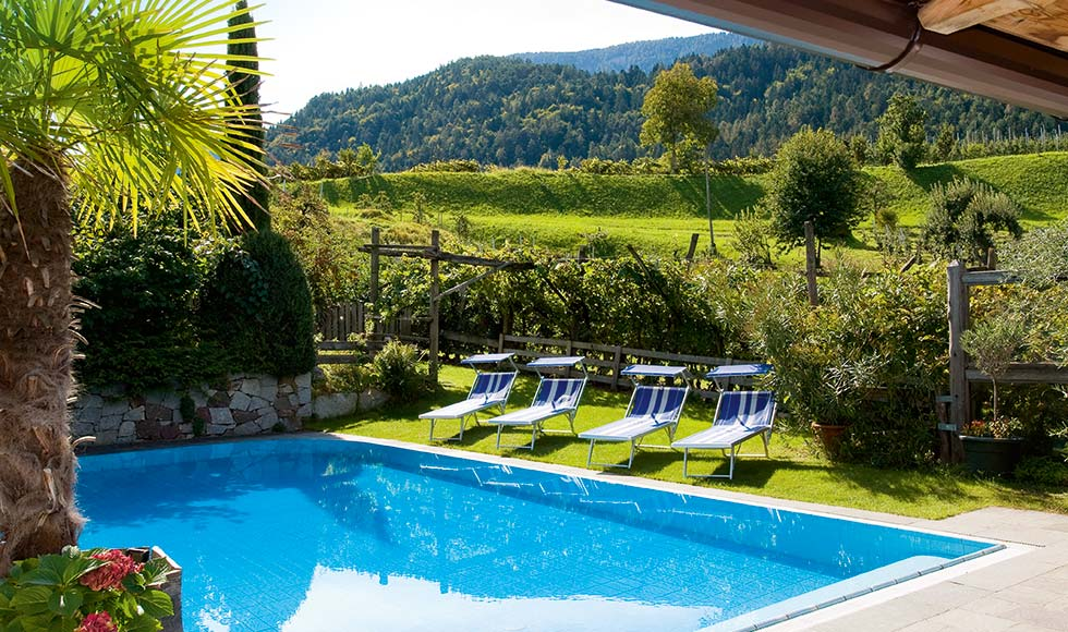 Outdoor Pool – Pension Sunnwend in Prissian